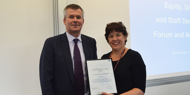 Photo of Professor Anne Kavanagh receiving the ESDS award for 2015