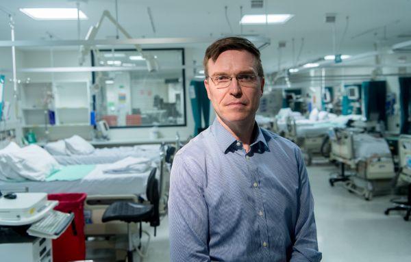Dr Stephen Warrillow