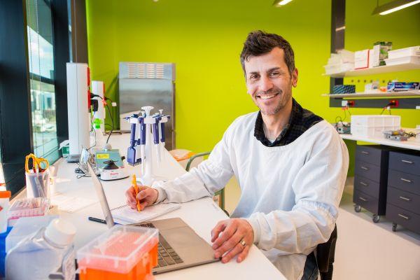 Luciano Martelotto University of Melbourne